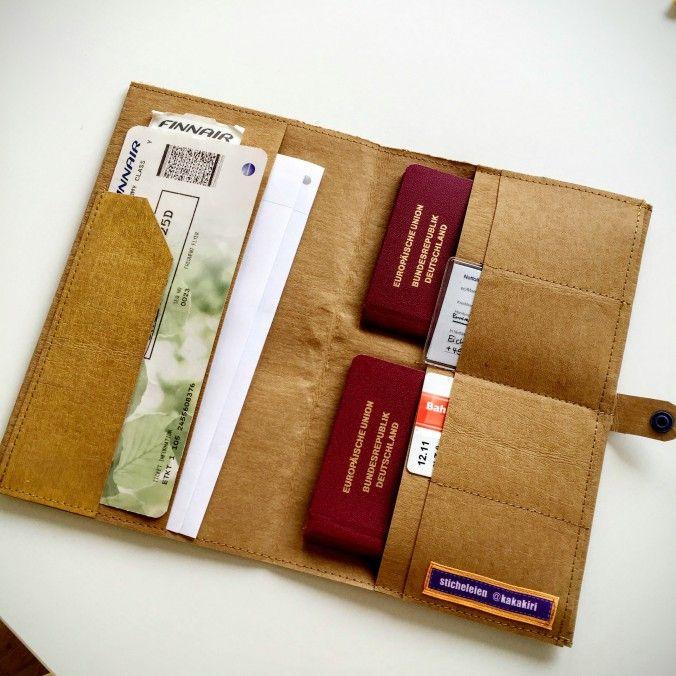 Reiseetui mit Platz für Reisepässe, Flugtickets, Dokumente und mehr.