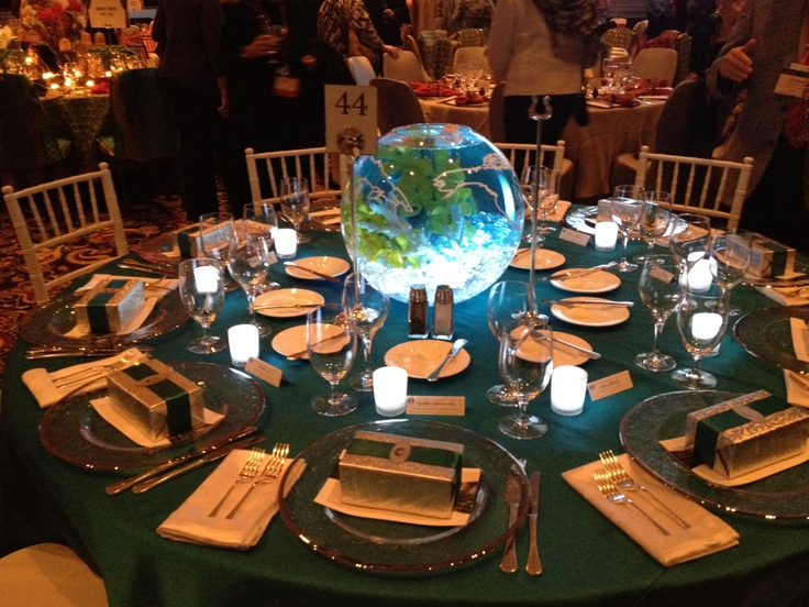 Crystal Cruises Showcased The Entire Ocean With Their Fish Tank And Nautical Theme Sushi Anyone