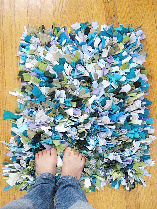 How To Repurpose Old T Shirts. Rag Rug ...