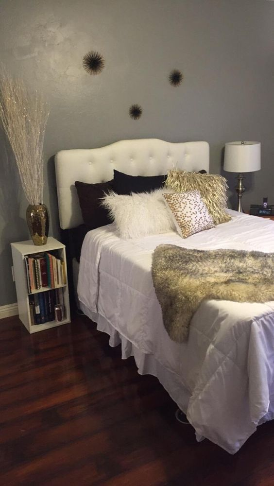 1000+ ideas about Linen Headboard on Pinterest | Neutral bedding, Grey tufted headboard and