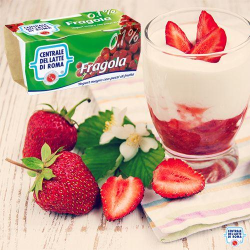 Lo #yogurt intero alla #fragola della Centrale del Latte di Roma ha gustosi pezzi di frutta... http://www.centralelattediroma.it/prodotti/yogurt-intero-fragola-con-pezzi-di-frutta/