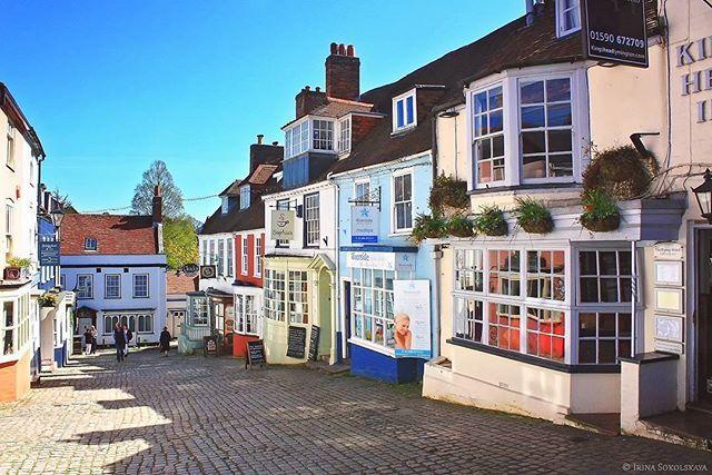 Лимингтон, графство Хэмпшир, Англия. .  Lymington, Hampshire, England. .  #lymington #hampshire #visit_hampshire #photosofbritain #photooftheday #england #greatbritain #britains_talent #visitbritain #visitengland #scenicbritain #лимингтон #англия #великобритания #гидпоанглии #гидванглии #путешествия #экскурсииванглии #экскурсиипоанглии #vokrugsveta #вокругсвета #фотодня #lovegreatbritain #instatravel #travelgram #travel #instagood  #go_planet #living_europe