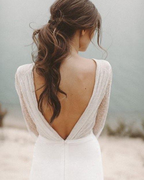 Schöne Braut undo mit langen Pferdeschwanz | Pin wurde von Kelly Closet Bridal Boutique in Atlanta, Georgia, entdeckt