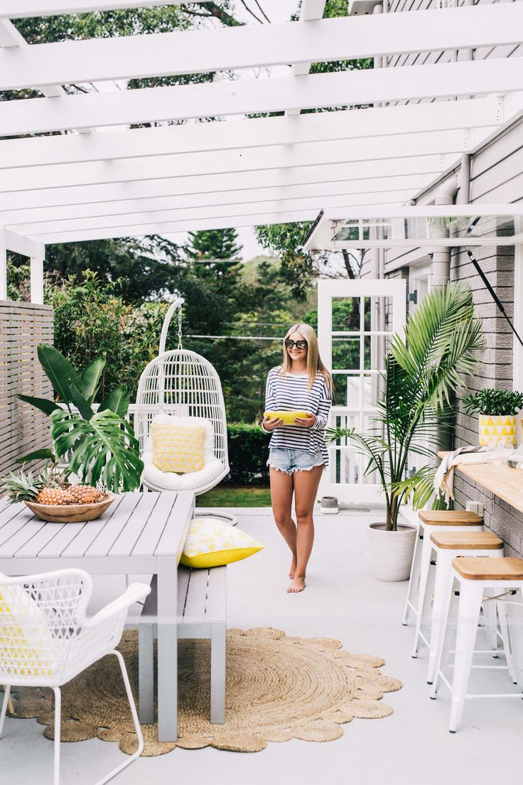 THREE BIRDS RENOVATIONS | THE HAMPTONS HOUSE - FOR ADORE MAGAZINE.