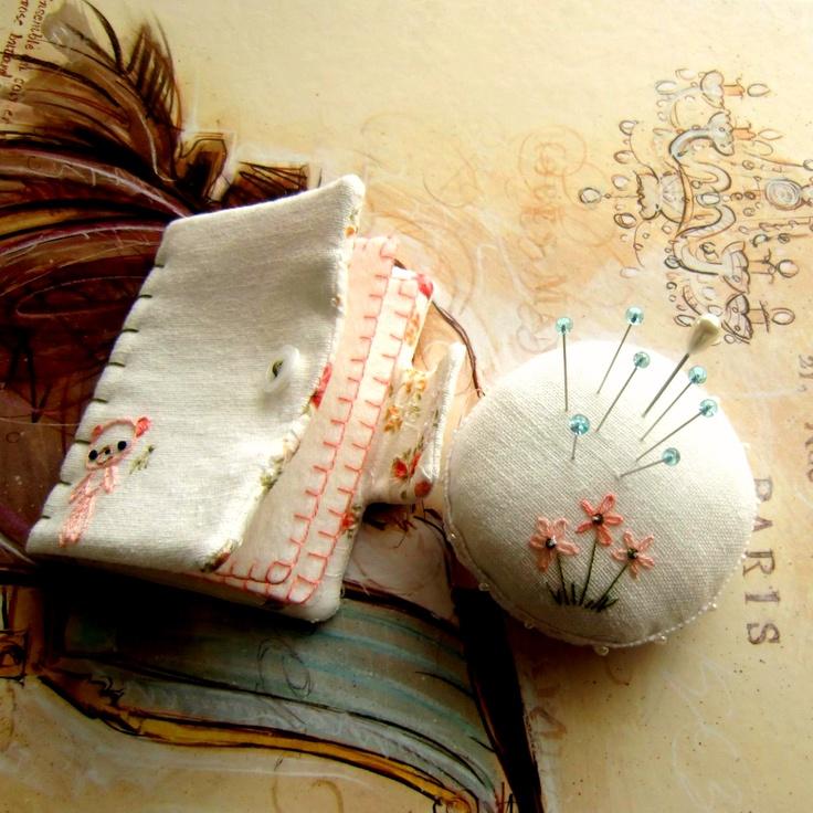 Gingermelon Dolls: Needlebook and Pincushion