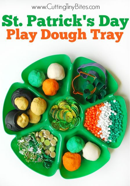 Sensory and fine motor fun for kids for St. Patrick's Day! Great play dough tray with tons of fun extras.