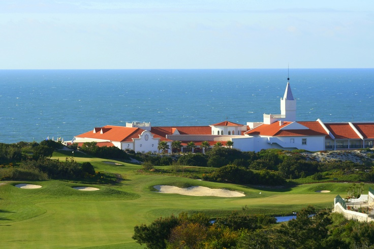 Unique location, between the golf course and the sea