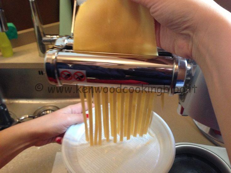 Рецепт яичной лапши с резаком AT971A Kenwood