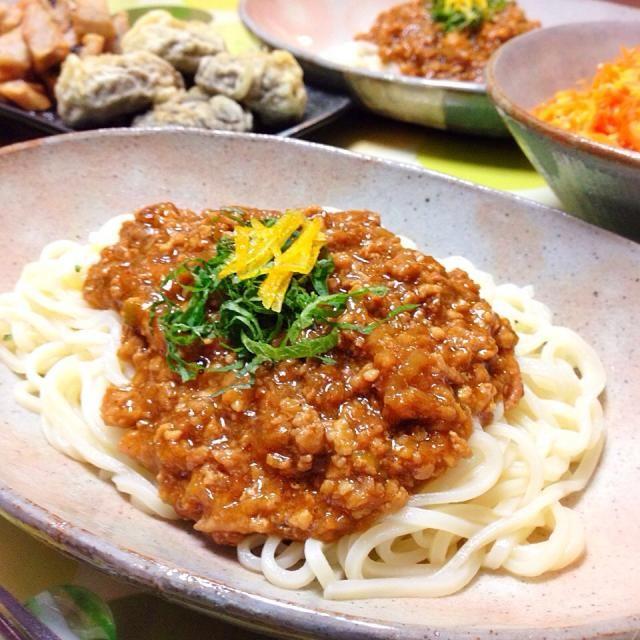 香川県、日の出製麺所の細麺を使いました。 - 39件のもぐもぐ - 鶏ミンチで肉味噌うどん。 by usaG