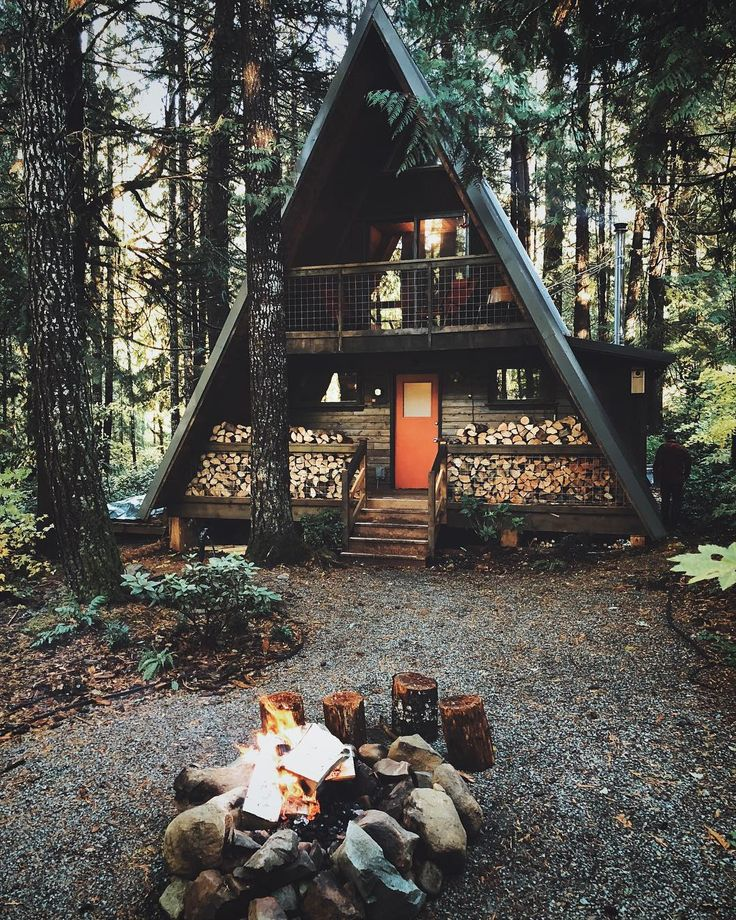 """25.1k Likes, 254 Comments - Cabin Love (@cabinlove) on Instagram: """"Scratch and sniff by @lady_bro (aka @cabinlove). This is @littleowlcabin near Packwood, WA. //…"""""""