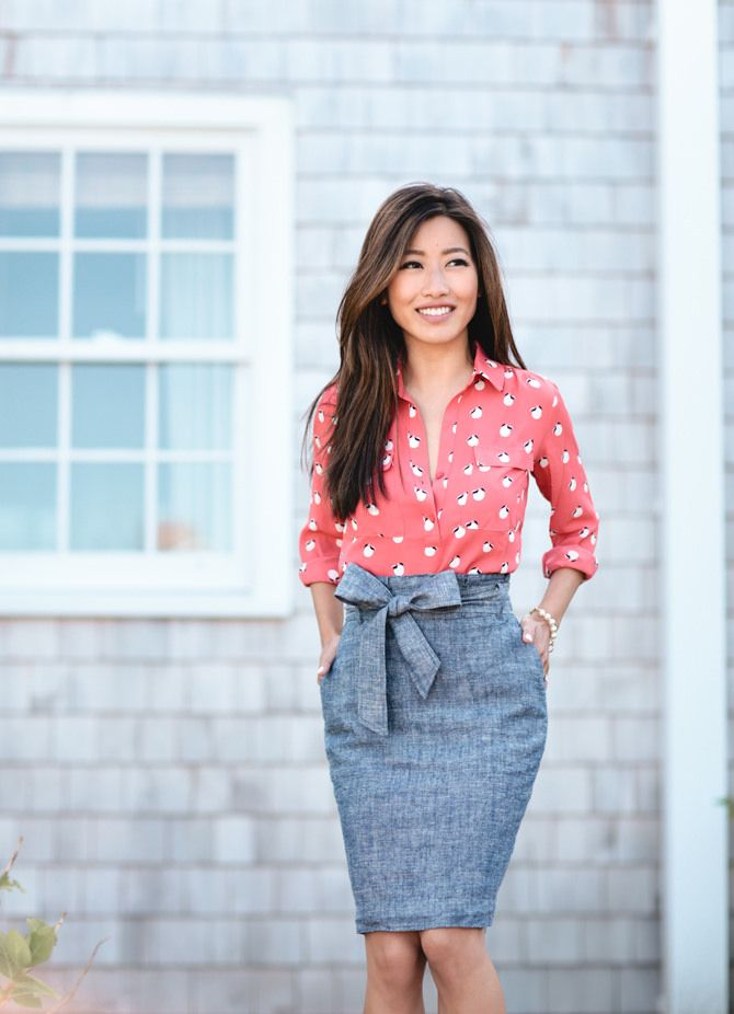 Yes way, chambray. We love how our style partner @EPStyle tied this look together.