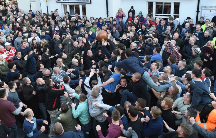 Atherstone Ball Game: Leicester City's Marc Albrighton kicks off the 817th event - Hinckley Times
