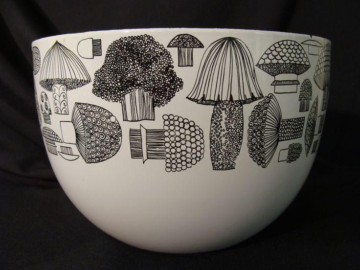 Loves it. '60's Kaj Franck Mushroom Bowl by Arabia Nowl Mushroom Kaj_Franck
