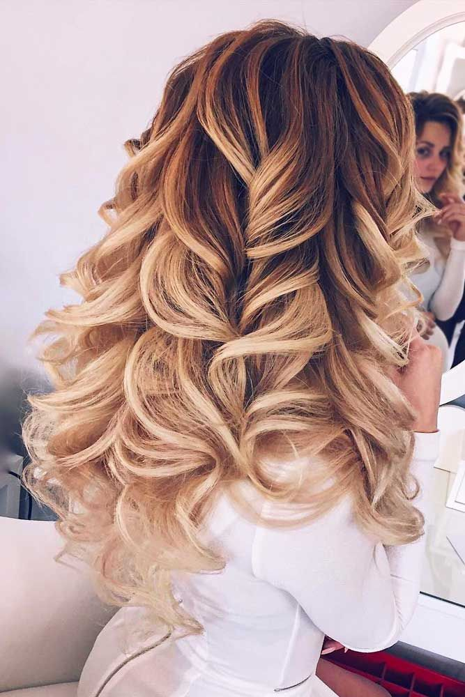 40+ Cutest and Most Beautiful Homecoming Hairstyles ★ Trendiest Hairstyles for the Big Night picture2 ★ See more: http://glaminati.com/homecoming-hairstyles-medium-long-hair/