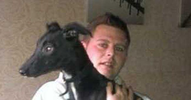 Zeus, cucciolo di 6 mesi: morde il deodorante e fa saltare in aria la casa