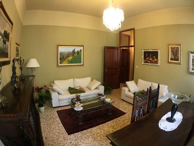 Oltre 1000 idee su letto con porta su pinterest letti di for Appartamenti con due camere matrimoniali