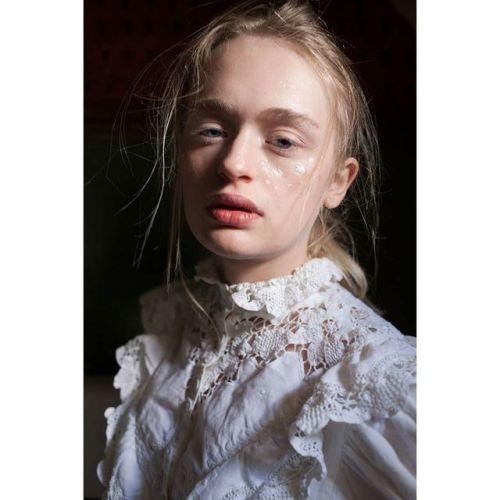 @michalowice model Julia #makeup @ania.poniatowska #portrait...  @michalowice model Julia #makeup @ania.poniatowska #portrait @vogueitalia #huaweipvf2017 #auniqueportrait @huaweimobileit #ooo #photovogue #ritrattopersonale http://ift.tt/2wkRDoI