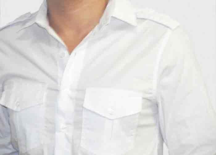 Trata-se de uma dica para tirar aquelas manchas amarelas (nódoas amarelas) que por vezes aparecem na roupa sem motivo aparente ou porque a roupa está guardada à muito tempo. Faça a seguinte pasta anti manchas amarelas: Coloque numa taça bicarbonato de sódio e vá juntando pouco a pouco o vinagre …