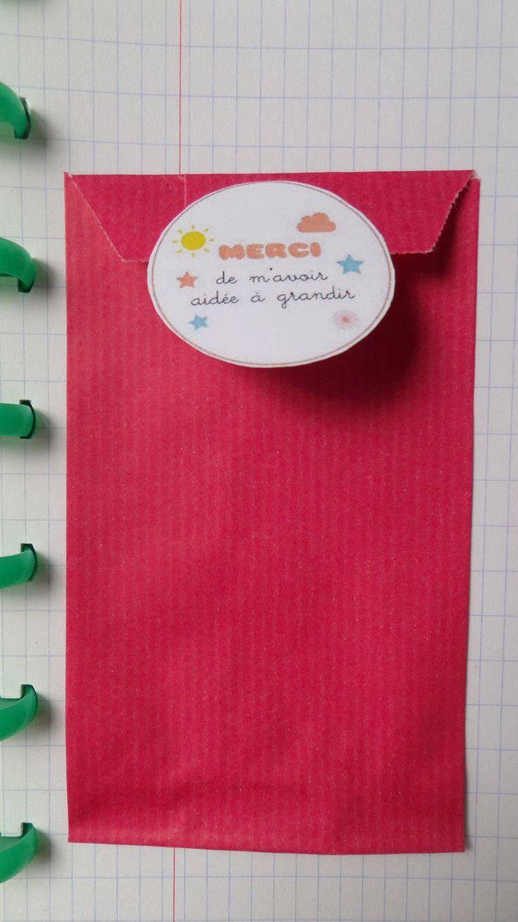 pochette cadeau kraft fushia pour maîtresse/maître/atsem - fin année scolaire : Emballages cadeaux par domidora