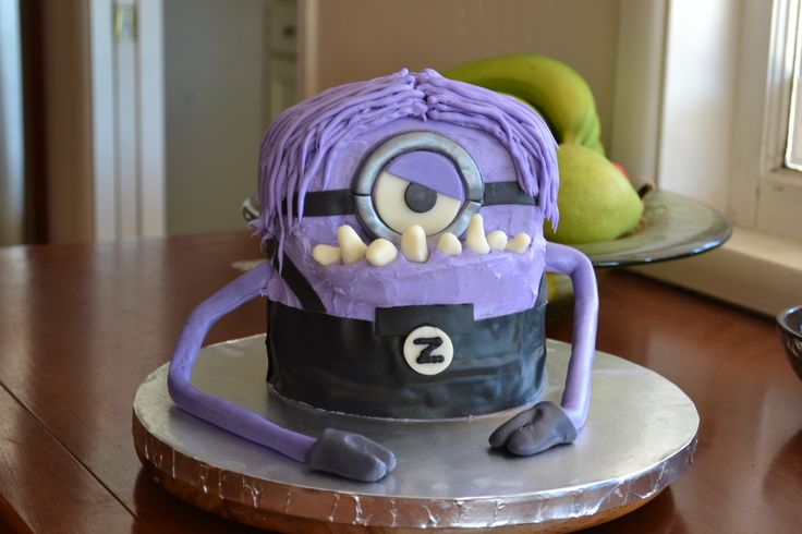 Evil Purple Minion Cake | Minions are Gathering ...