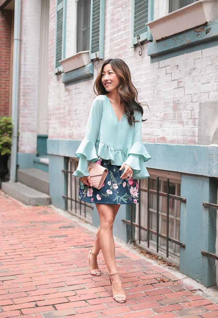 summer date night or party outfit // ruffled sleeves + floral skirt + nude sandals by extra petite blog
