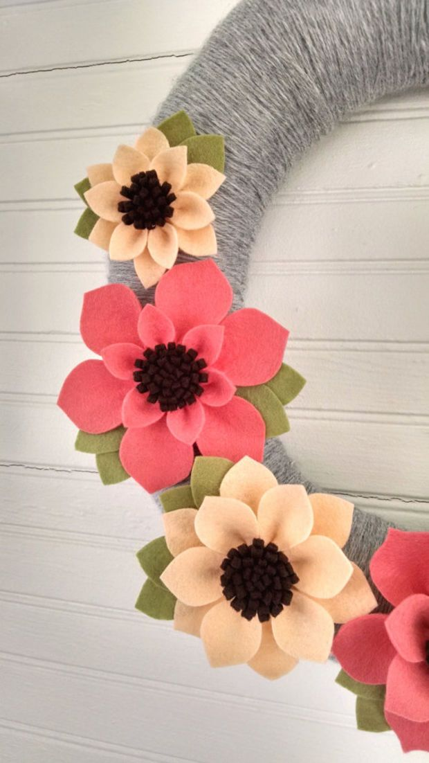 Spring wreath, felt flower wreath