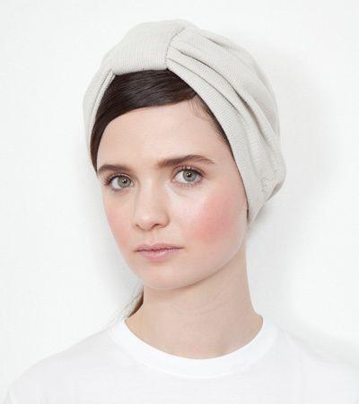 Great minimalist turban look.