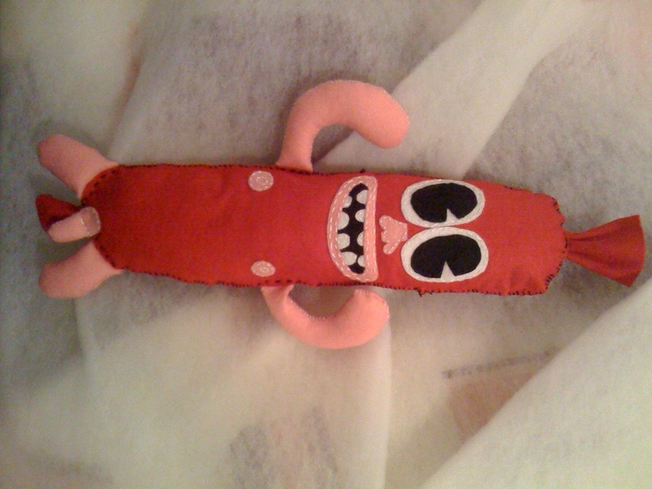 http://www.zinkete.com/2010/06/plush-toy-zarzisha.html#    el señor zarzisha, regalo relleno de amor para Tuly :D    #plush #felt