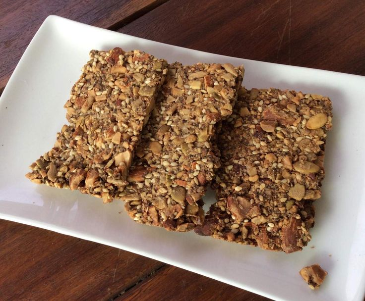 Recipe Seed and Nut crackers GF by Janneke@Thermomix - Recipe of category Baking - savoury