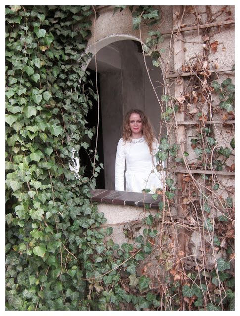 FASHION Secret Garden : In the castle   http://www.alliness.blogspot.com/2015/06/in-castle.html