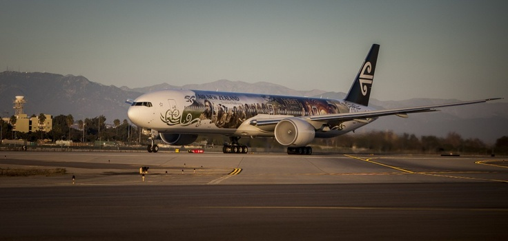 Air New Zealand Hobbit-inspired 777-300 lands in Los Angeles