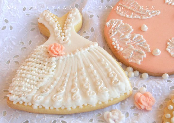Cookie Connection - Love the Wedding Dress Design