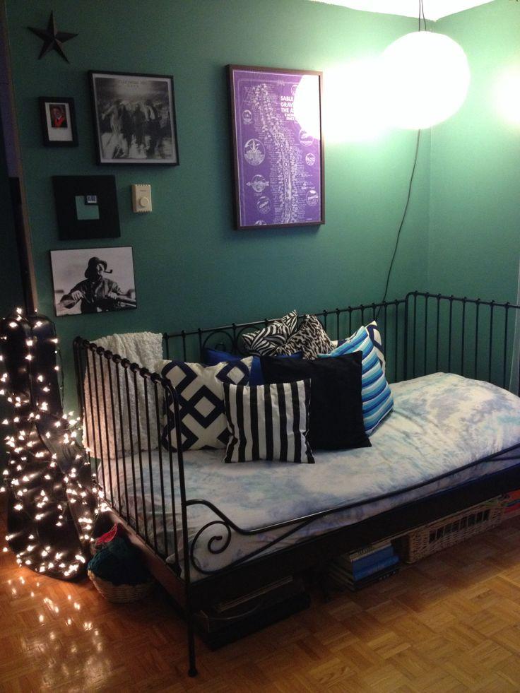 Bachelor apartment bachelor apartment ideas pinterest for Bachelor apartment ideas