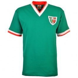 Mexico 1960-70s Kids Retro Football Shirt Mexico 1960-70s Childrens Retro Football ShirtThe Mexico 1960-70s shirt, worn by El Tri in the 1966 campaign in England. http://www.MightGet.com/may-2017-1/mexico-1960-70s-kids-retro-football-shirt.asp