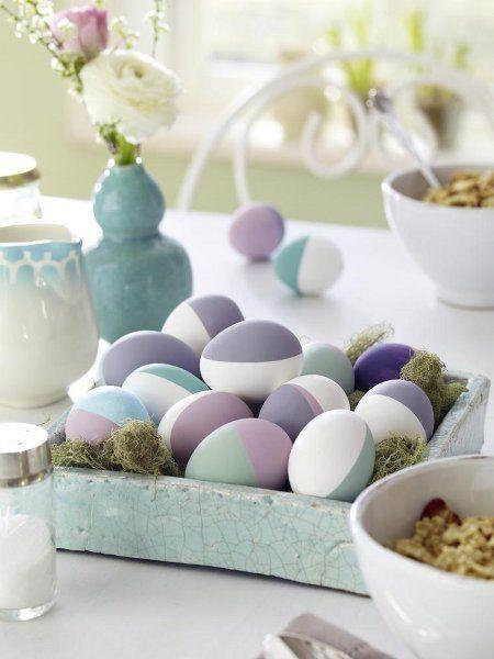 Pastelltöne sind nicht nur in Sachen Deko top. Ostereier kann man auch in den Dauerbrenner-Farben kreieren.  http://www.wunderweib.de/ostern/bildergalerie-1509360-ostern/Ostereier-bemalen-Kreative-Ideen.html?i=8=342