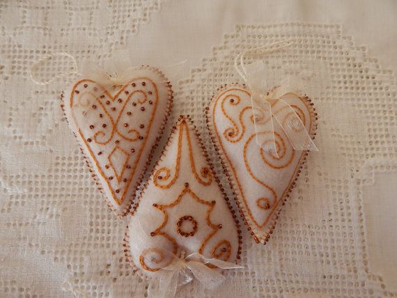 Oriental Heart Ornament by cuoredamore on Etsy