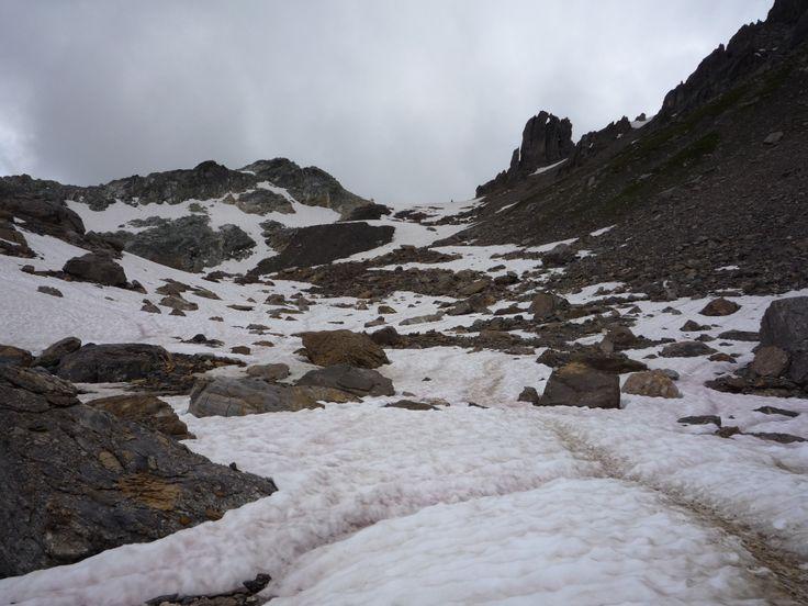 Le col du Grand Fond encore beaucoup de neige en juillet.