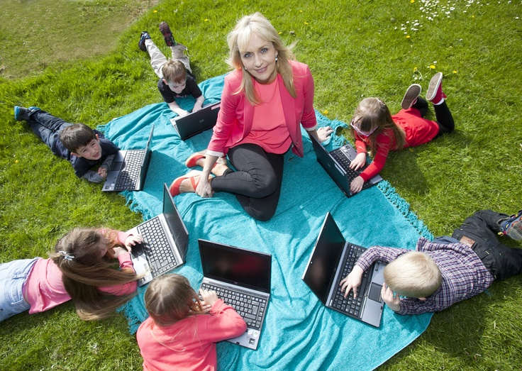 Broadcaster Miriam O'Callaghan pictured here with some young Born Again fans helping us launch our new range of refurbished computers.  https://www.oxfamireland.org/computers/shop  Photo: Leon Farrell (Photocall Ireland) / Oxfam.
