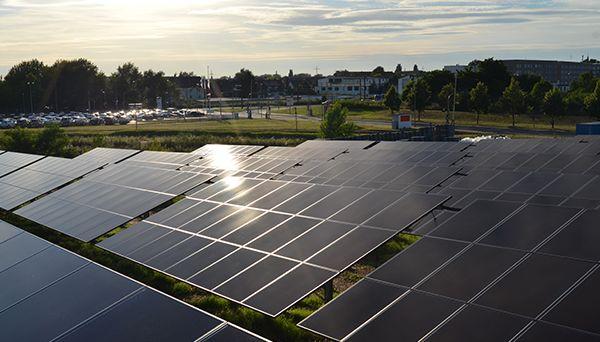 100 cittadini hanno formato una cooperativa energetica per la realizzazione di una fattoria solare per la quale sono stati scelti i pannelli in CIS della Solar Frontier (elevate potenza e tolleranza all'ombra)