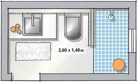 Para ter uma bancada razoável, a saída foi reduzir o tamanho do boxe (0,75 x 1,40 m), que ficou 15 cm mais estreito que o ideal. Dispostas lado a lado, pia e bacia deixam livre a passagem com 85 cm de largura. Projeto do Studio Costa Marques.