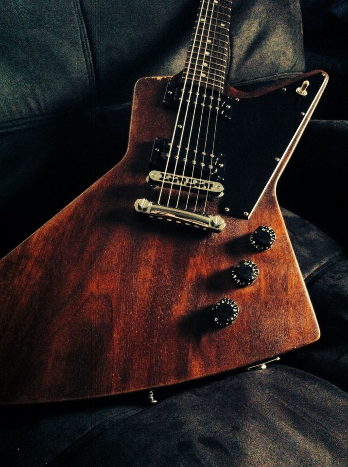 2008 Gibson Explorer Faded...ONE OF MY FAVORITE AXES...MINE HAS BARE KNUCKLE ALNICO V PICKUPS...CHROME.