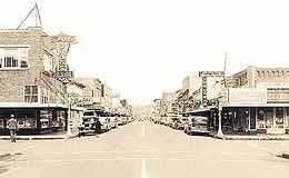 Downtown Puyallup from a 1930s postcard.     Image from www.HistoryLink.org - the Free Online Encyclopedia of Washington State History