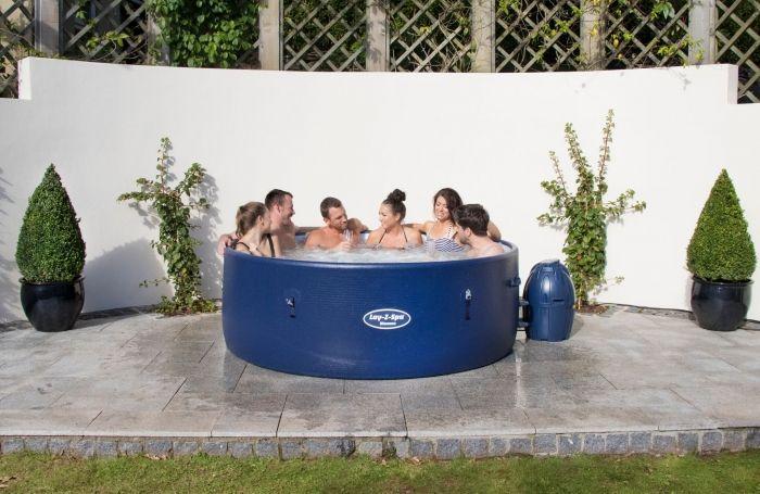 les 25 meilleures id es de la cat gorie spa gonflable sur pinterest jacuzzi gonflable piscine. Black Bedroom Furniture Sets. Home Design Ideas