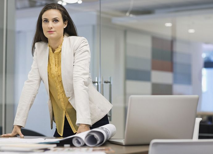 5 Power Poses You Should Start Using at Work Now | Levo League |         body language, communication, news2