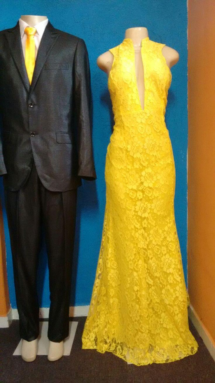 Vestido amarelo com tule nas costas, traje masculino com gravata amarela. Venham conferir!! Rua Maria Casusa Feitosa, 122 Helena Trajes a Rigor Tel: 2307-2993