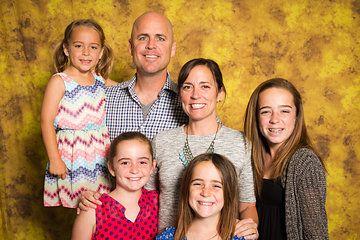 Single 5x7 print w/ Photographic Backdrop (Yellow)