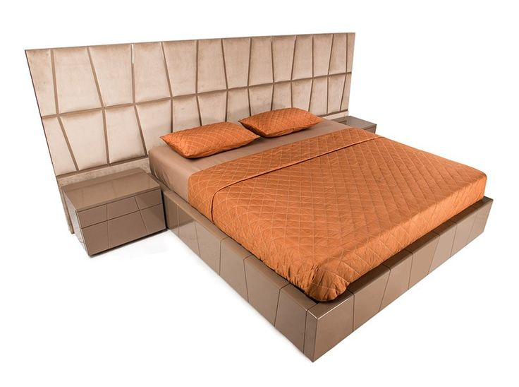 Major Bed Available At IDUS Furniture Store, New Delhi, India.