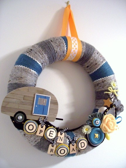 I'm gonna need one of these for Rosa Lee after I have her all decorated, only in the appropriate colors.