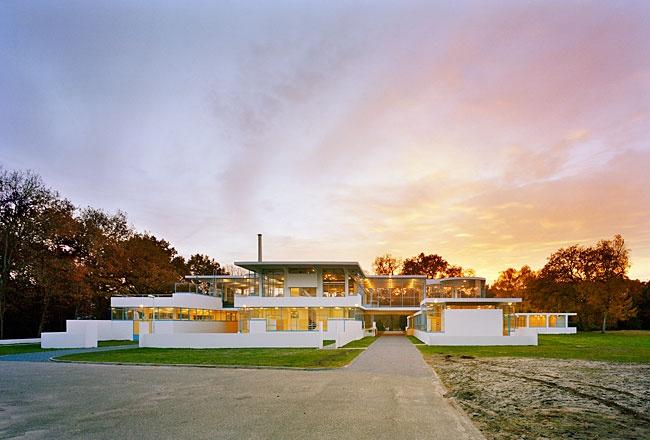 Zonnestraal Sanatorium restoration > 2010 World Monuments Fund/Knoll Modernism Prize @Hilversum, The Netherlands // Bierman Henket Architecten and Wessel de Jonge Architecten