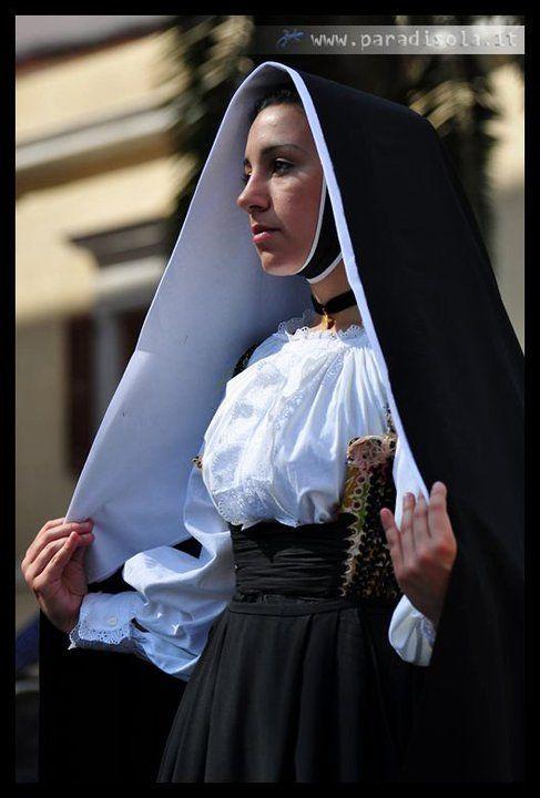 サルデーニャ島・民族衣装